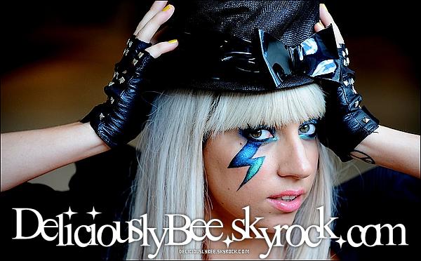 . www.DELICIOUSLYBEE.skyrock.com_♦_Découvrez est devenez fan de la sublime Lady Gaga. .