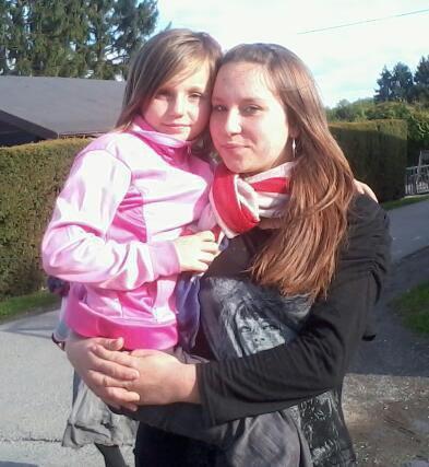 Moi et ma ptite belle soeur léa :) Je t'adore