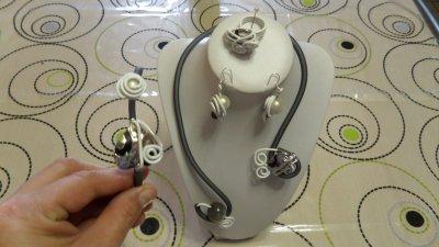 parure 4p spirales blanche 3mm avec burna cord gris déco argent