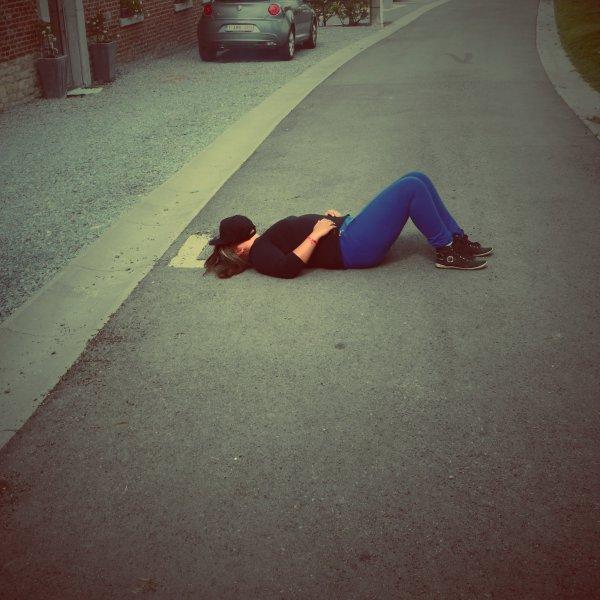 La fille- Au-Visage-triste