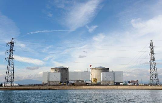 Centrales nucléaires : des coûts de maintenance estimés à 100 milliards d'euros Le Monde.fr   10.02.2016 à 10h28 • Mis à jour le 10.02.2016 à 11h25   Par Jean-Michel Bezat   En savoir plus sur http://www.lemonde.fr/economie/article/2016/02/10/centrales-nucleaires-des-couts-de-maintenance-estimes-a-100-milliards-d-euros_4862575_3234.html#iKssyksS80eYAicf.99