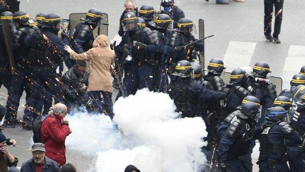 Un syndicat de policiers dénonce les consignes reçues pendant les manifs