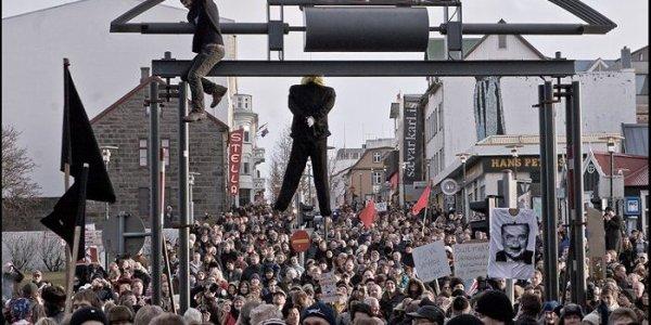 Une raclée méritée : 46 ans de prison confirmés pour neuf grands banquiers islandais