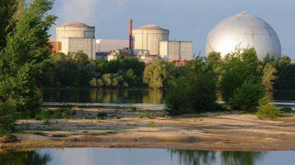 Chinon : EDF et le directeur de la centrale nucléaire condamnés à près de 10.000 euros d'amendes pour des irrégularités