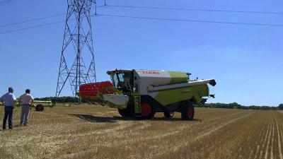 Demonstration de Claas tucano 470