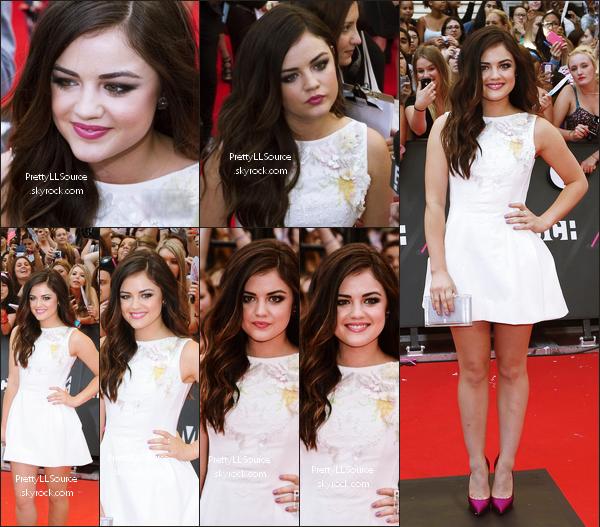 *17.06.2013 - Shay Mitchell et Lucy Hale étaient présentes hier 16 juin au MuchMusic Video Awards 2013  ! Les VMMA 2013 se déroulait à Toronto au Canada. Vous pouvez découvrir les photos de leurs arrivées sur le tapis rouge ci-dessous *