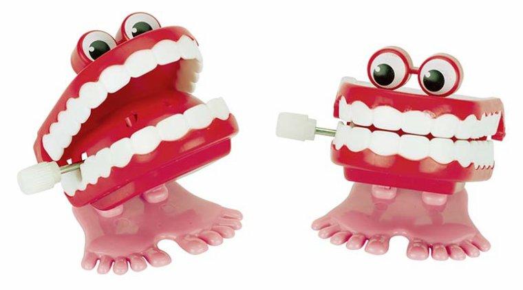 Dentier rigolo à moteur à remonter
