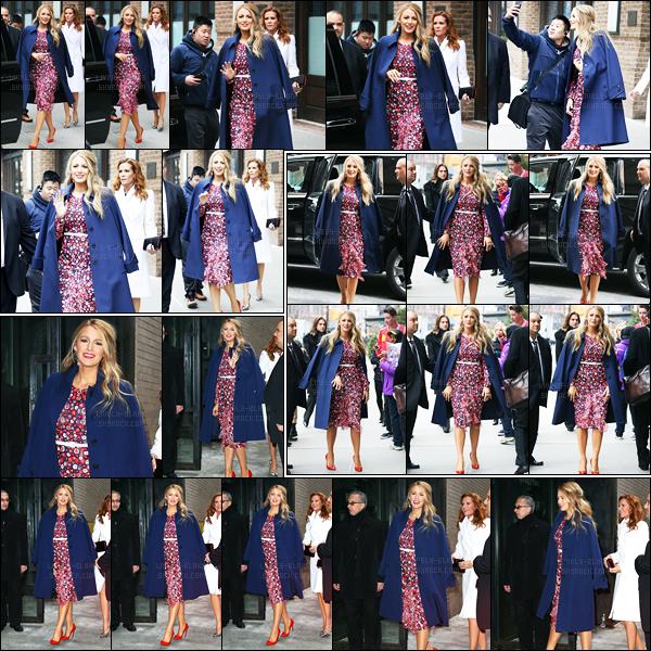 15.02.2017 ─ Blake Lively a été photographiée, alors, qu'elle quittait son hôtel, qui se situe, dans New-York City.La belle s'est ensuite rendue au défilé de Michael Kors puis revenant à son hôtel. Concernant sa tenue, c'est un très jolie top de ma part. Et vos avis ?