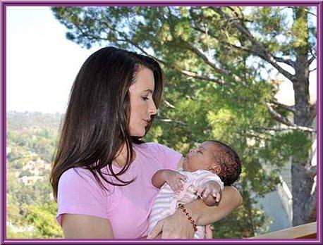 Kristin Davis a adopté