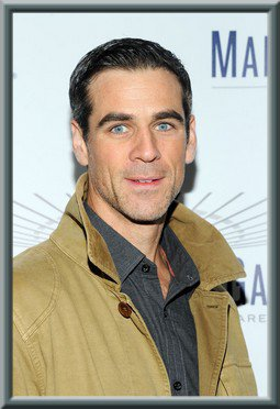 Eddie Cahill s'installe Under the Dome