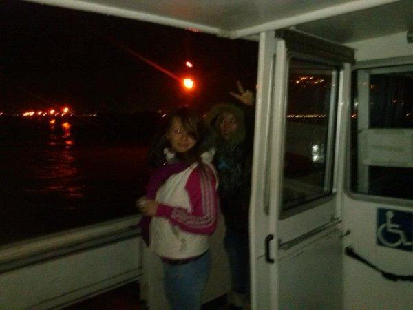 Elle et moi sur un bateaux a venise :) <3