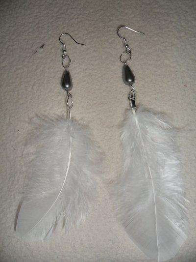 Boucles d'oreilles plumes et perles