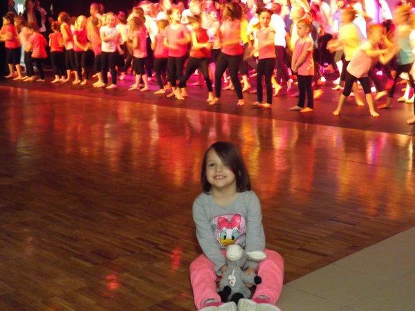 gala temps danse ( ma petite fille qui va allez danser avec temps dance en septembre