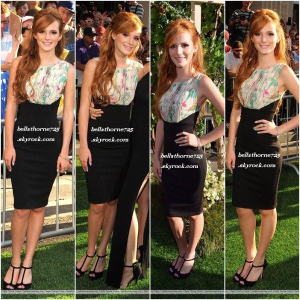 "6 août 2012 Bella à la première du film ""The Odd Life Of Timothy Green""  avec sa soeur danie"