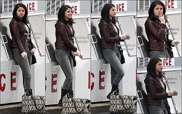 . Selena sur le tournage de son nouveau film ♥..