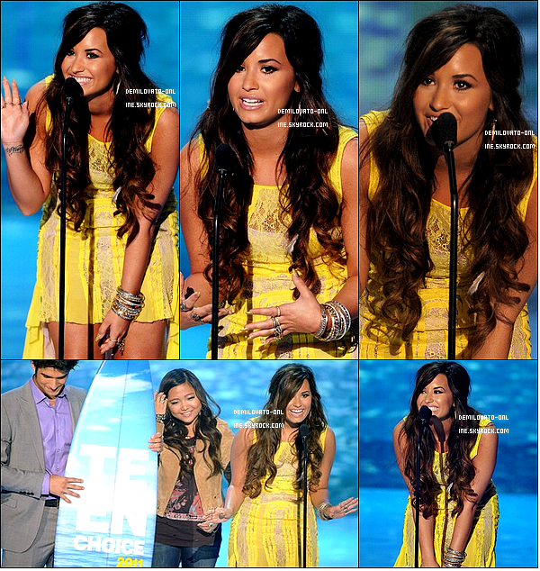 . Event : Love is louder ♥ . 07/08/11 : Demi gagnant deux awards pour la chanson de l'été & l'award spécial de la personne la plus inspirante.