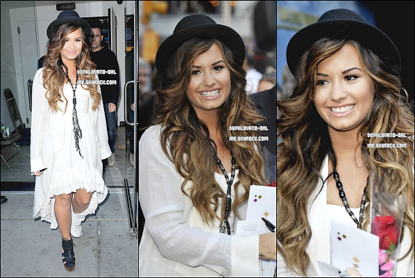 . Performance : Cute ♥  . 19/09/11 : Demi Lovato s'est rendue sur le plateau de « Good Morning America ».    .