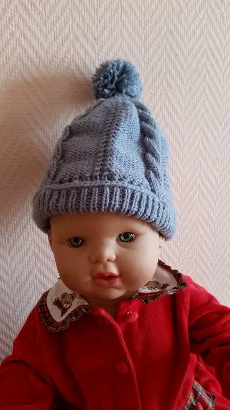 un bonnet gris pour un petit Jules de 3 ans...