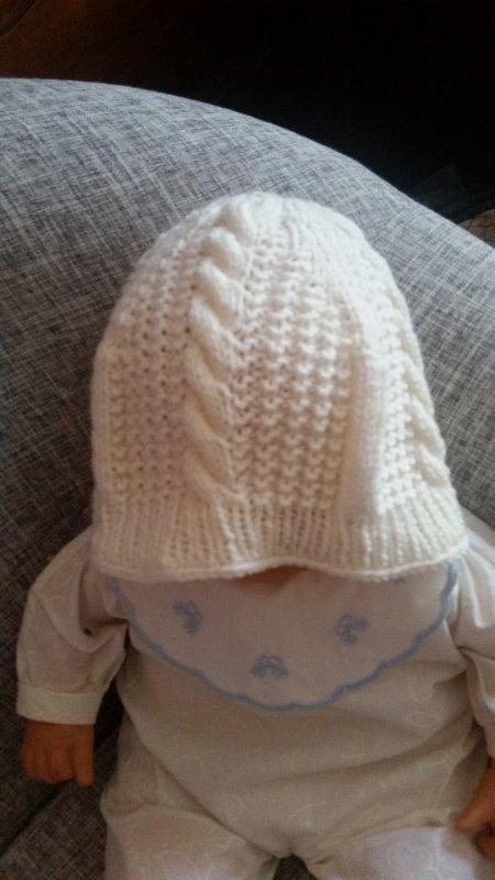 4 bonnets que je viens de terminer, 2 bonnets bb, 1 péruvien pour 4 ans et 1 adulte