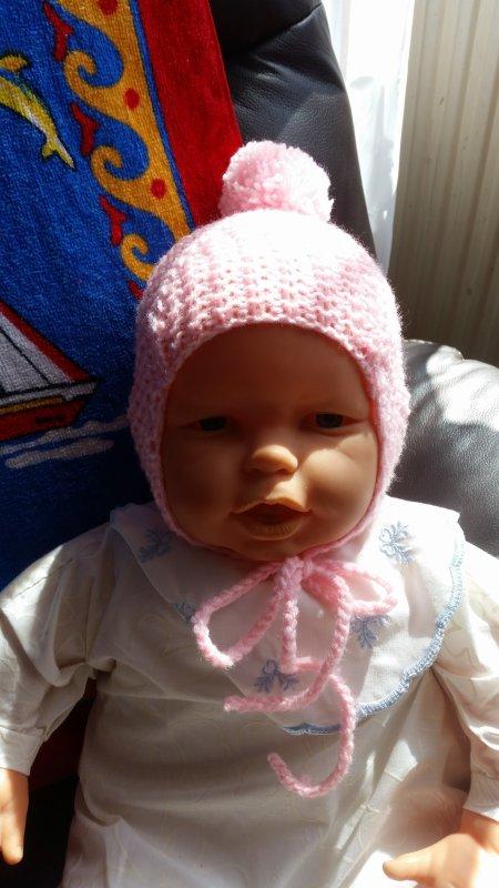 et encore deux bonnets bébé, plus grands...