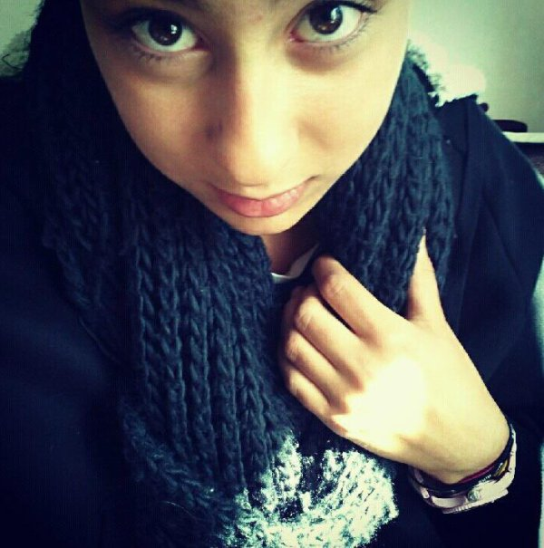 `Elsaa OuaLiah ;)           -LoveYou.                       Un coeur d'assier peut être brissé ,  regarde moi et tu verras :)