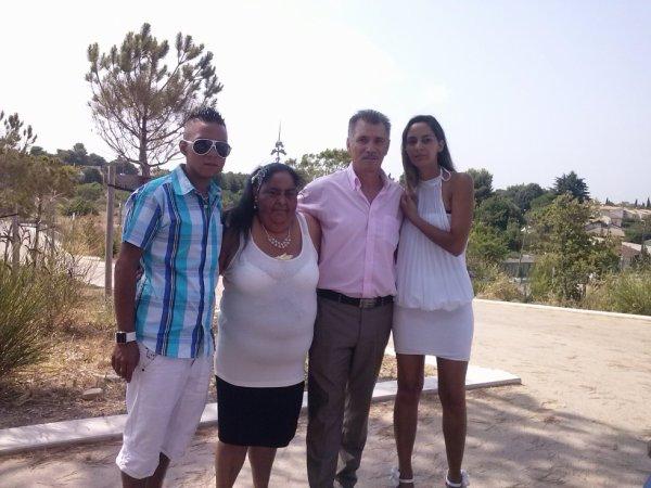 mes parents que j'aime mon frère et moi