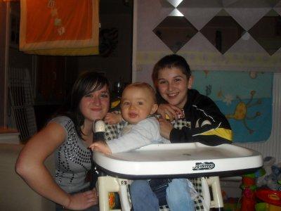 timéo avec sa cousine et son cousin