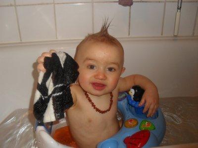 mon petit proute dans son bain