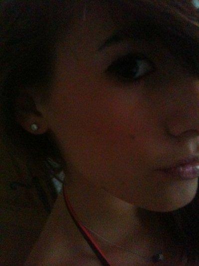 Jeune fille autentiik, qui brille =)