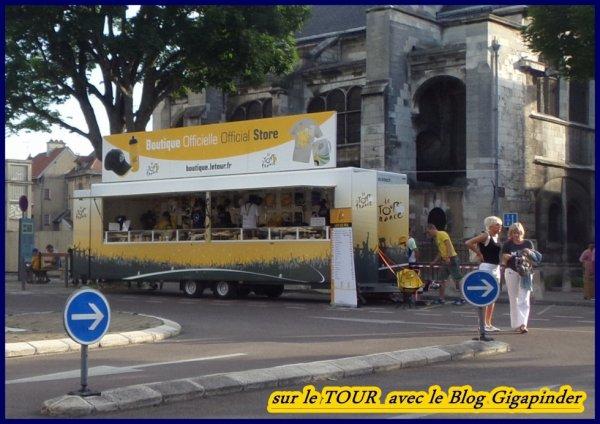 SUR LE TOUR  A TROYES ...BOUTIQUE OFFICIELLE