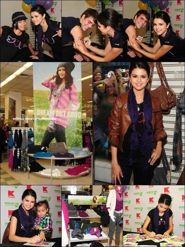 23/09/10: Selena était présente à une séance de dédicasse pour Dream Out Loud ...