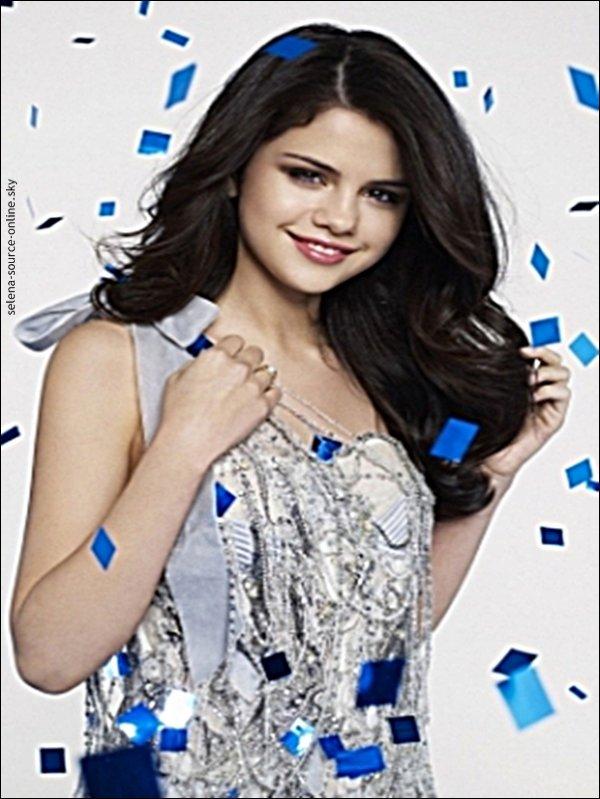 Je viens de vous ajouter une nouvelle photo de Selena provenant d'un photoshoot qu'elle a fait dernièrement. Elle est très belle!