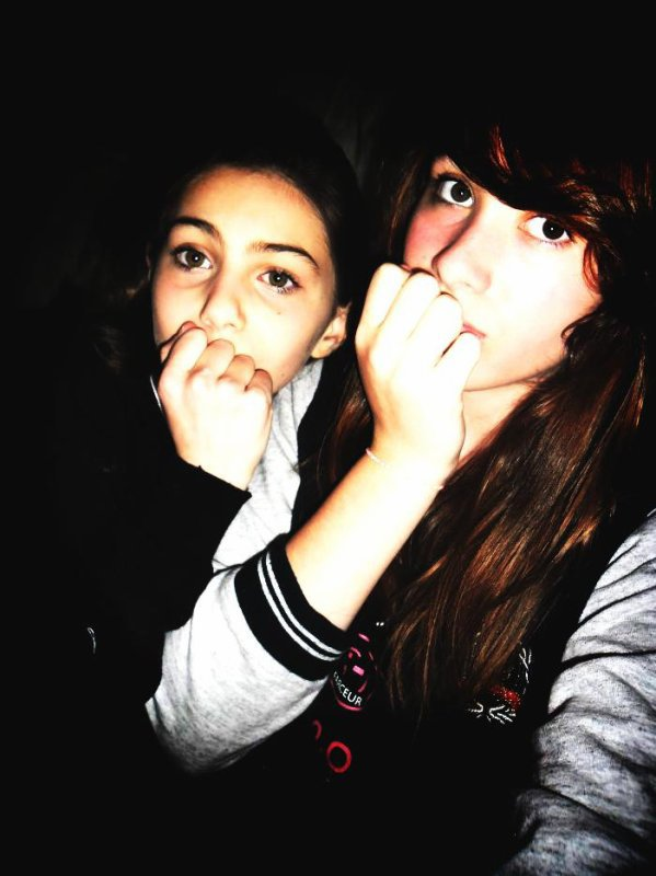 Une amitié sincère ne se termine jamais. Elle connait des virgules mais jamais de point. ♥