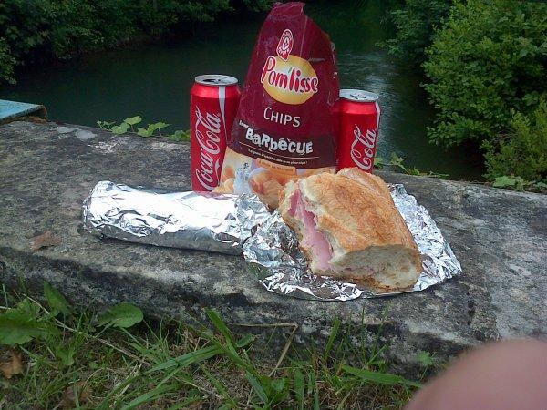 Très bon repas au bord de l'eau avec pecheurdd52410
