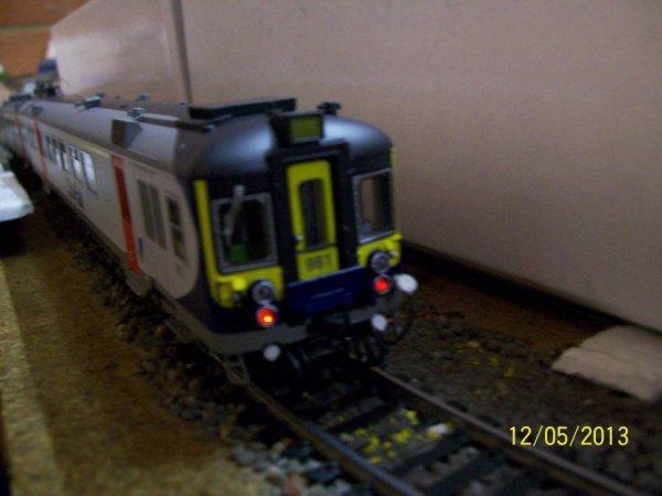 """notre SUPERBE automotrice électrique série 74 """" Cityrail """" de Jocadis ( vue des phares arrière )"""