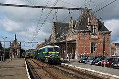 Gare Saint-Ghislain : deux locos électrique série 26 entre en gare