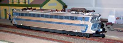 locomotive électrique Jouef série 18 en livrée bleue ( VENDU )