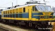 Locomotive électrique série 20 en livrée jaune/bleue