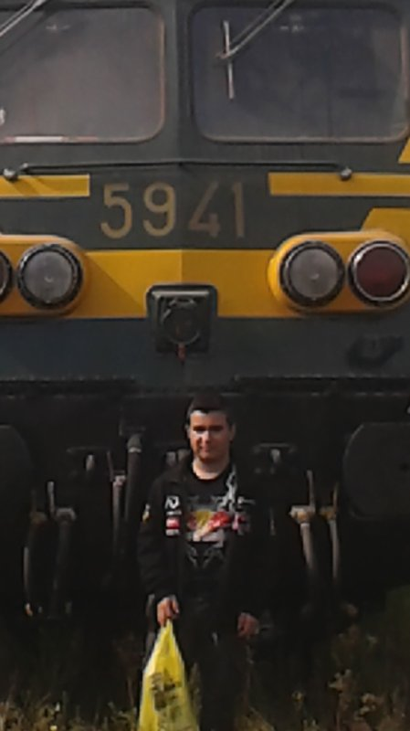 notre petite visite au musée ( PFT ) à Saint-ghislain ce 13/09/14 -- P18 -- magnifique loco diesel série 59 et moi