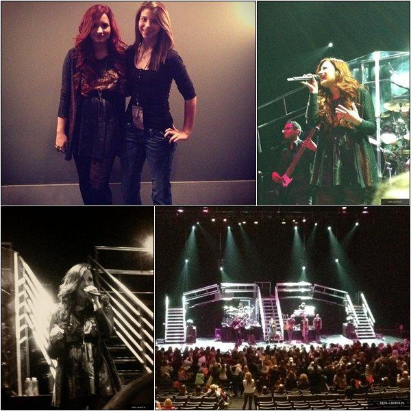 26/11/11 : Demi à fait son concert à Dallas et puis elle a rencontrée ses fans