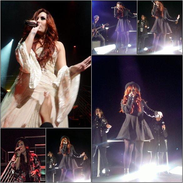 02/12/11 : Demi a effectuée son concert à  Nashville, Tennessee.