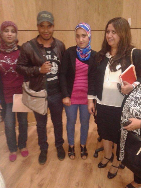 moi avec ma cher ami zahira et malika et ma belle profe keji