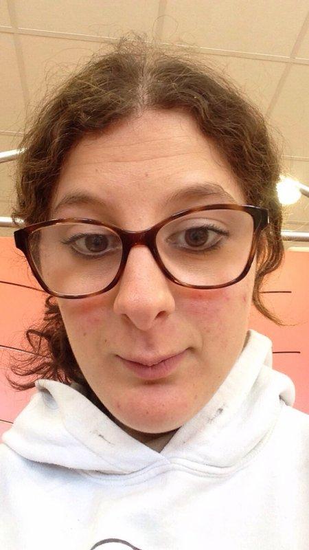 Moi avec mes nouvelles lunettes?
