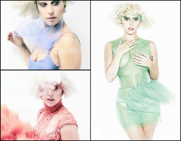 Lady Gaga en couverture du magazine 'ELLE' du mois de Janvier.