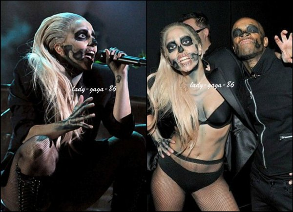 30/11/11 - Lady Gaga vue posant avec des fans à Los Angeles.
