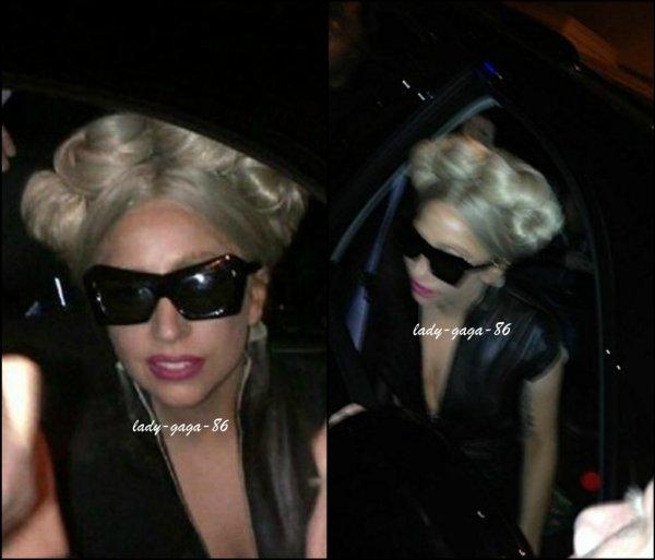 05/12/11 - Lady Gaga dans les coulisses du The Ellen Degeneres Show.