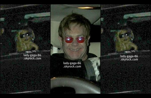 01/02/12 - Lady Gaga et Elton John aperçus sortant d'un restaurant à Los Angeles.