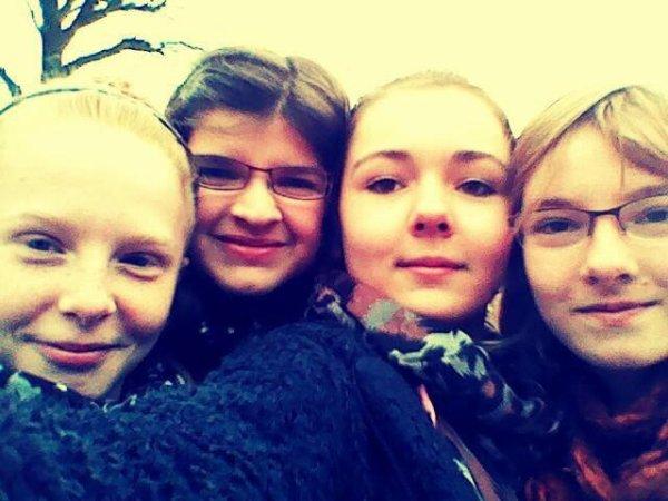 moi  et mes amies et ma meilleure amie