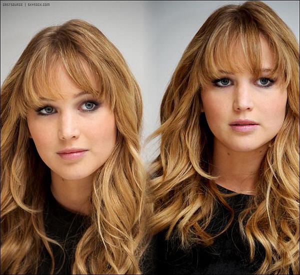 * Quelques photos de Jennifer à la conférence de presse pour Hunger Games *