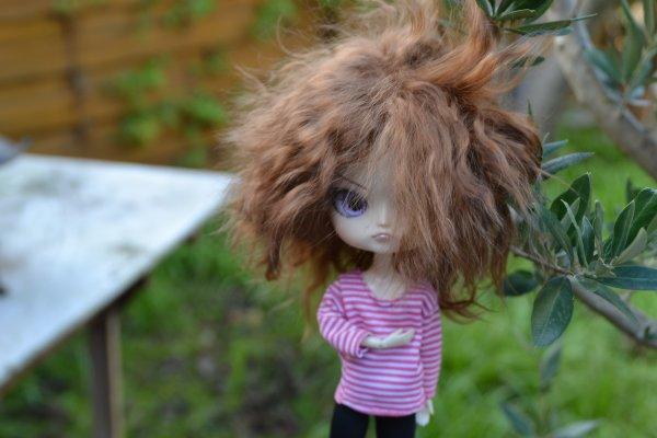 Nouvelle wig, nouvelle identité, nouvelle histoire ! :D